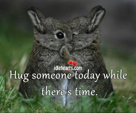 5 Reasons To Hug Somebody Today
